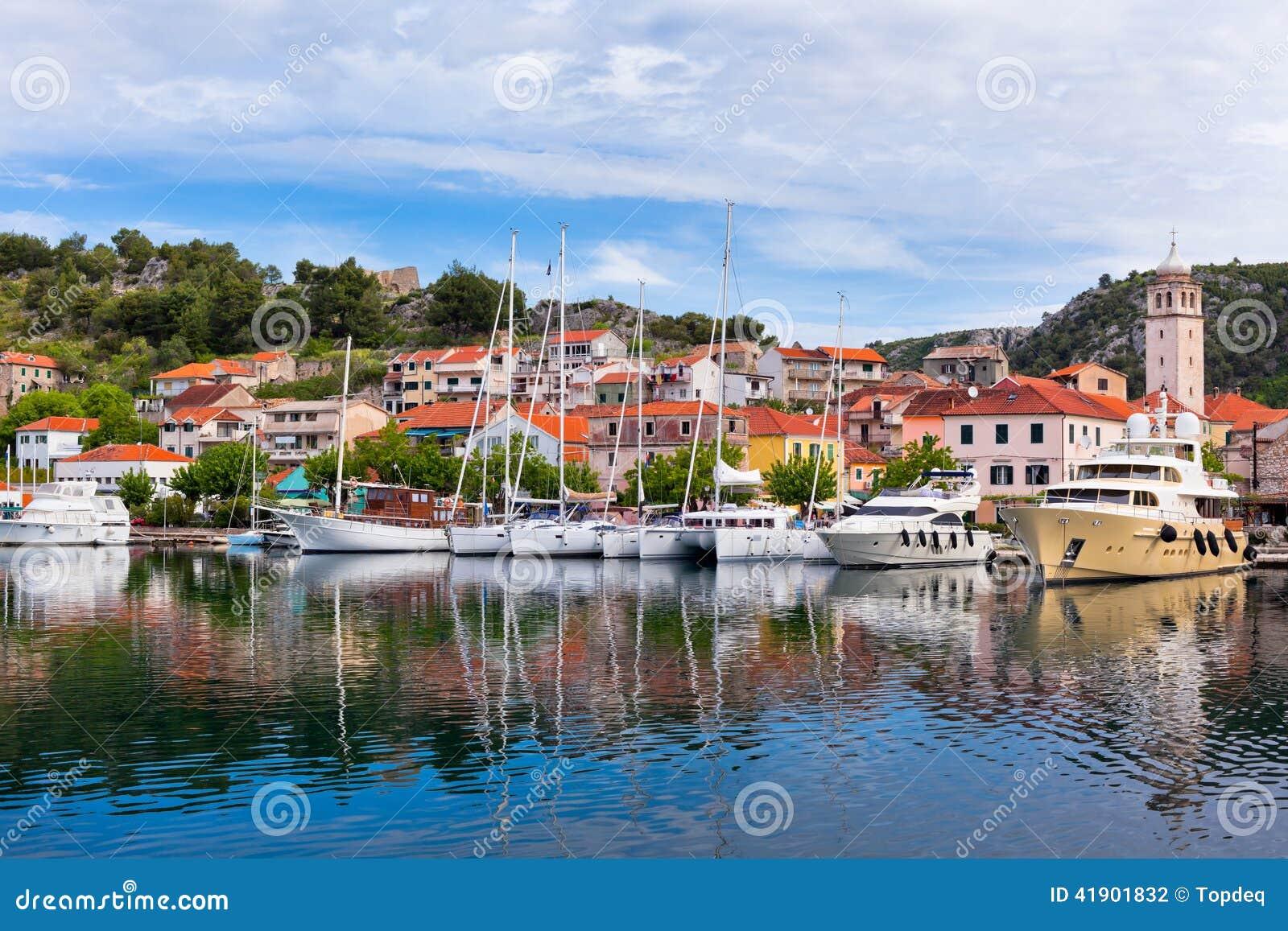 Skradin è una piccola città storica in Croazia