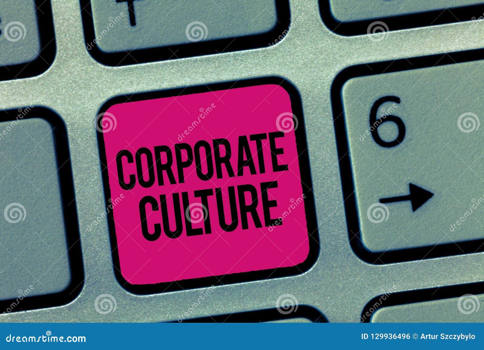 Skriva anmärkningen som visar företags kultur Affärsfotoet som ställer ut troar och idéer, som ett företag har delat, värderar