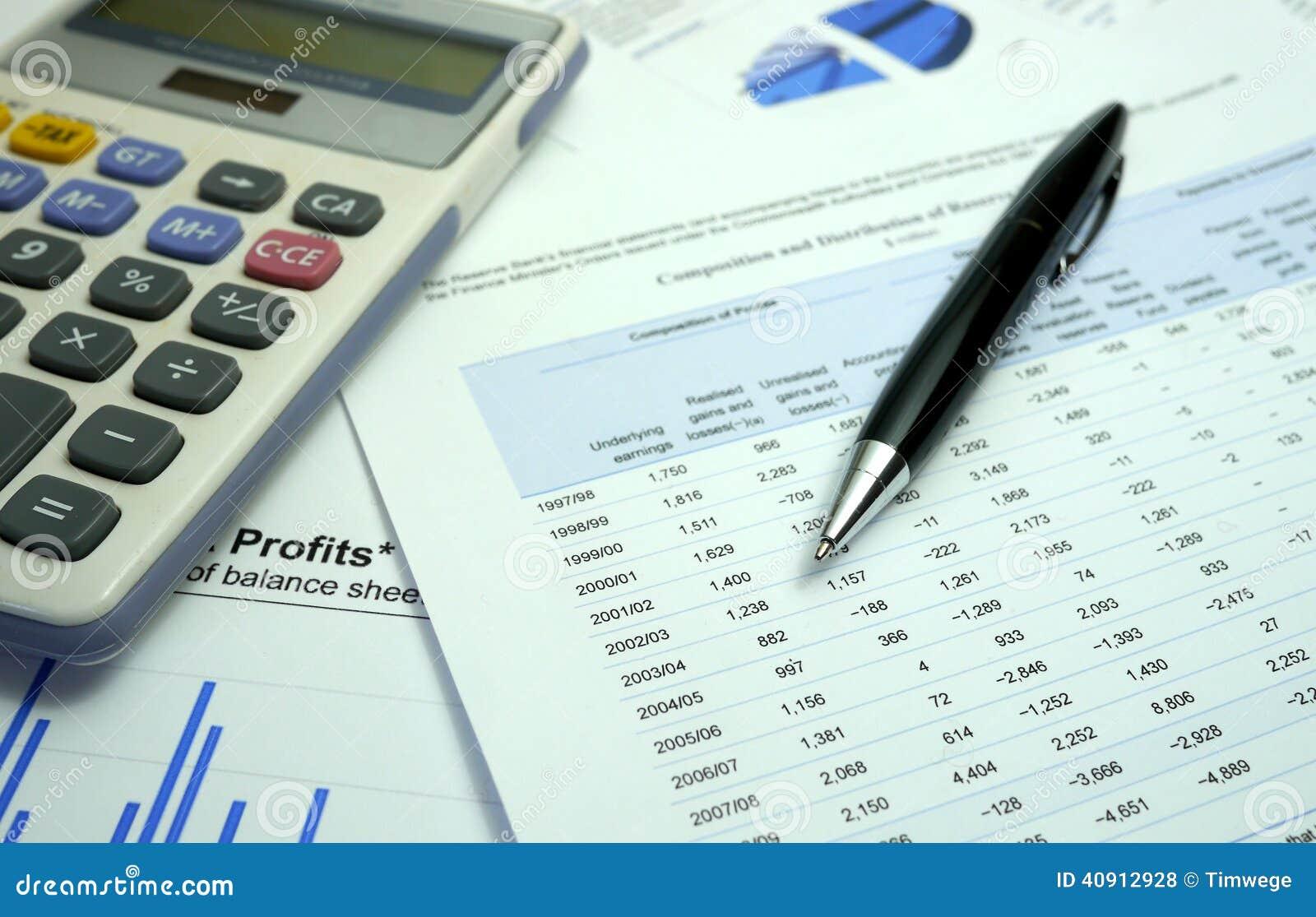 Skriva och graph på finansiella dokument med räknemaskinen