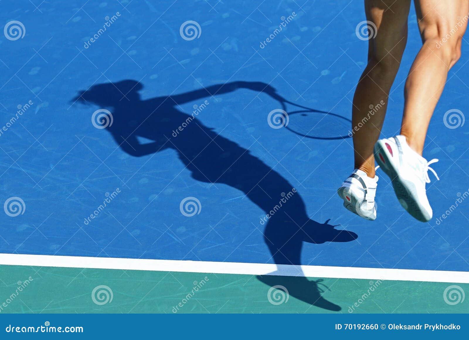 Skugga av kvinnatennisspelaren
