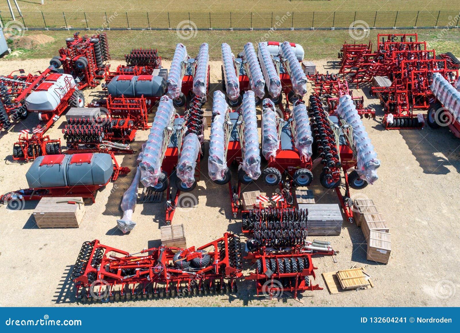 Skuggad jordbruks- utrustning Produkter av det jordbruks- maskineriet för växt för tillverkning av flyg- sikt
