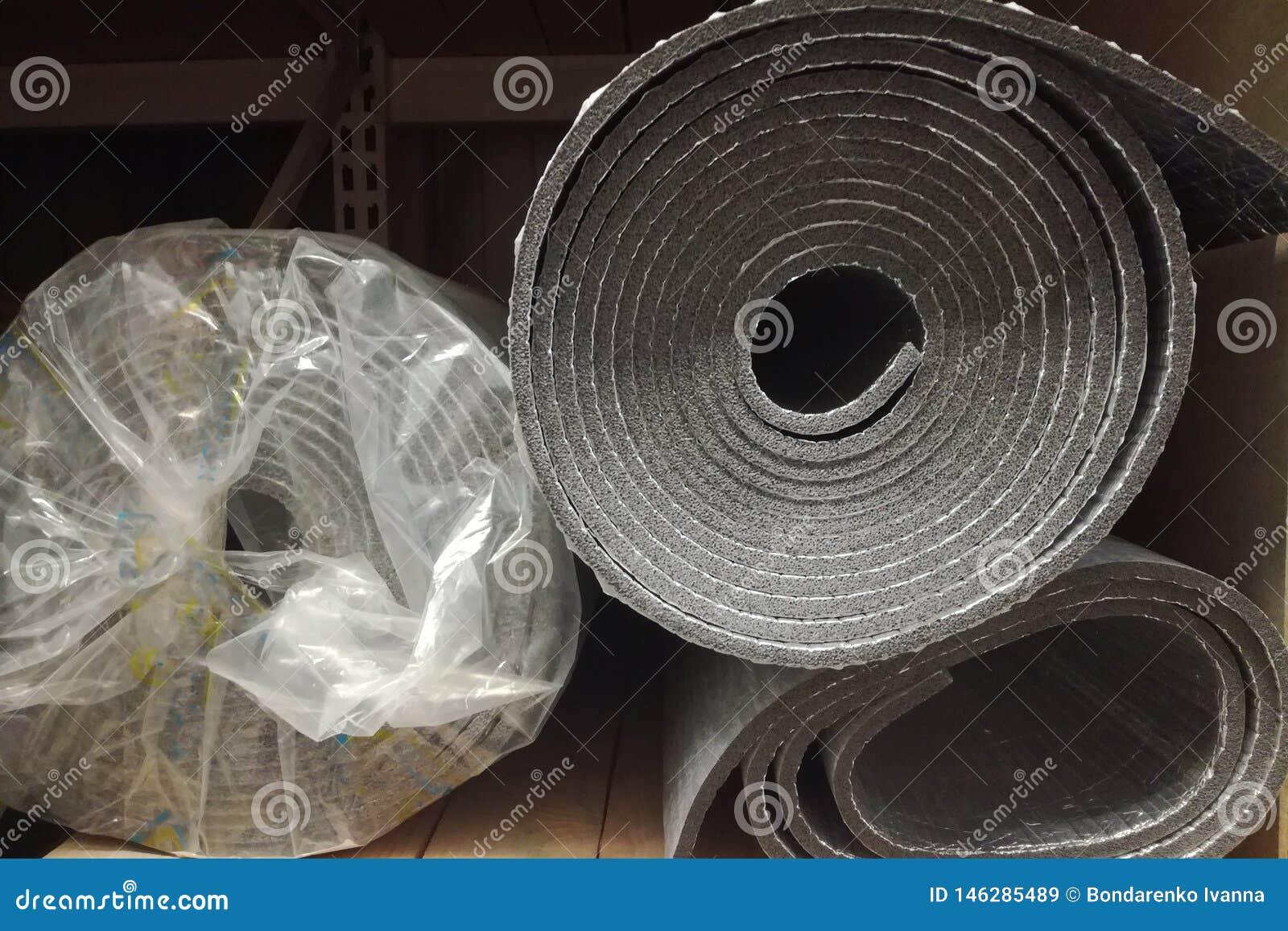 Skum f?r polyetylenisoleringsisolering med aluminiumfolie i rullar i lager
