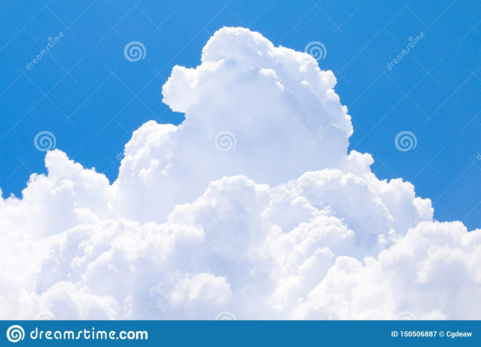 Sky with big cloud single beautiful, blue sky big clouds white, big clouds on sky soft clear, fluffy clouds big on sky