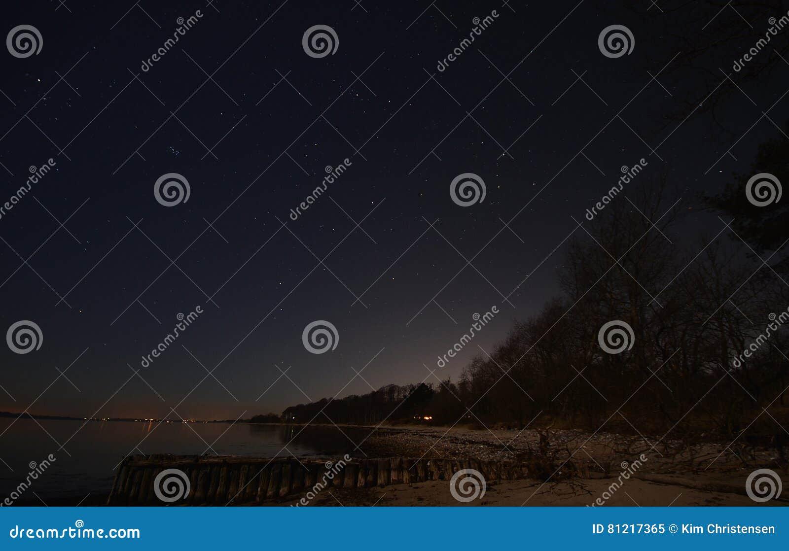 Sky för natt för abstraktionillustrationblixt