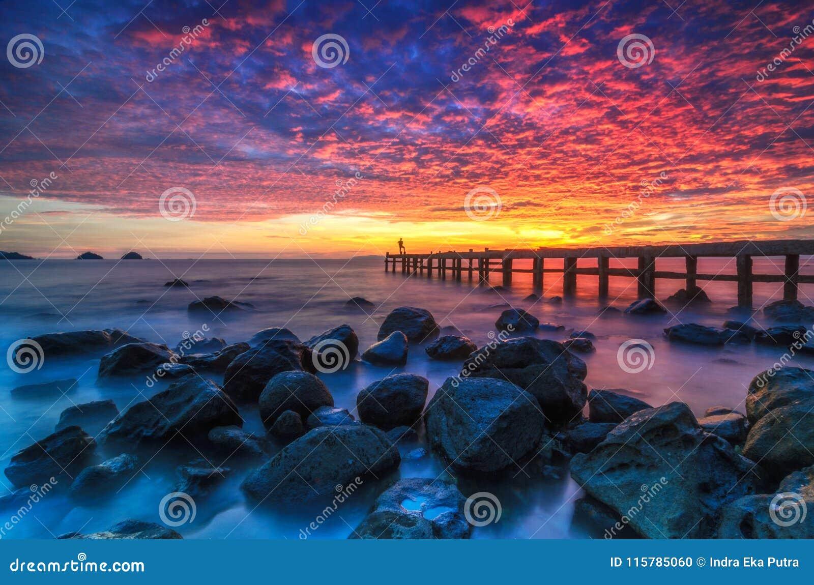 The sky at sunset at Setigi Heni Beach