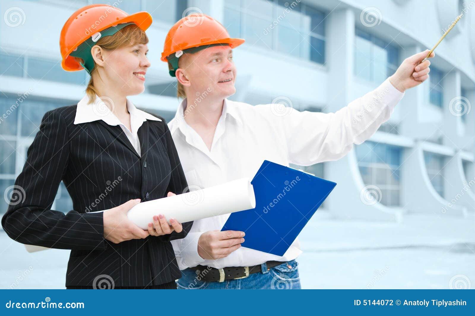 Skyddande kvinna för arkitekthjälmman