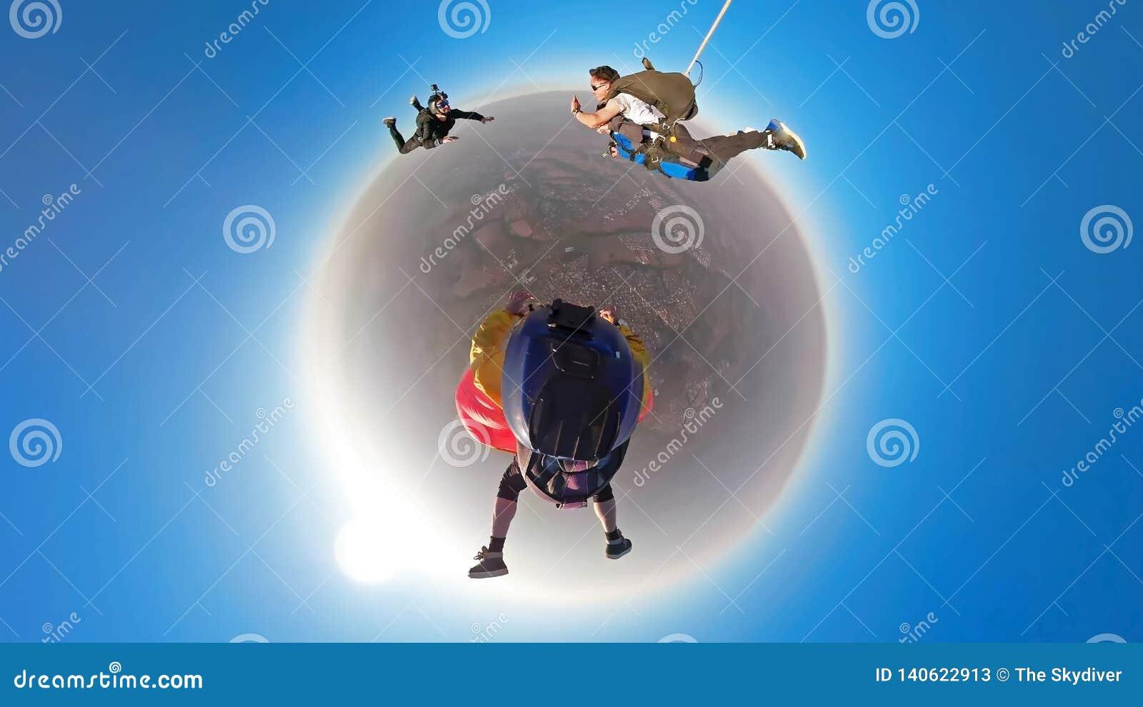 Skydiving纵排小行星