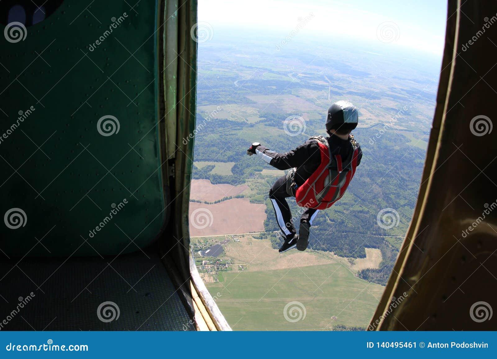 Skydiving Η στιγμή της εξόδου