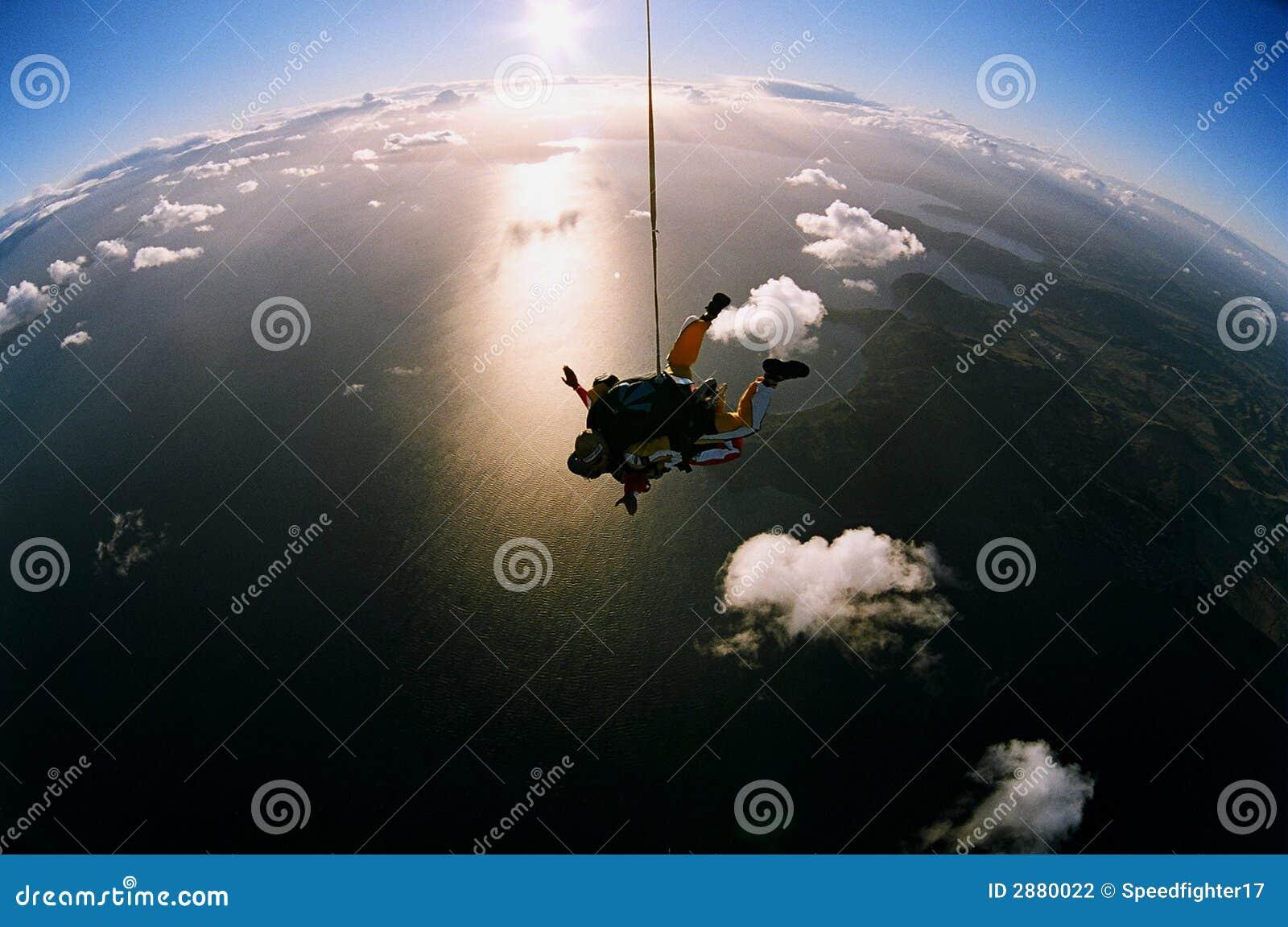 Skydiving cénico
