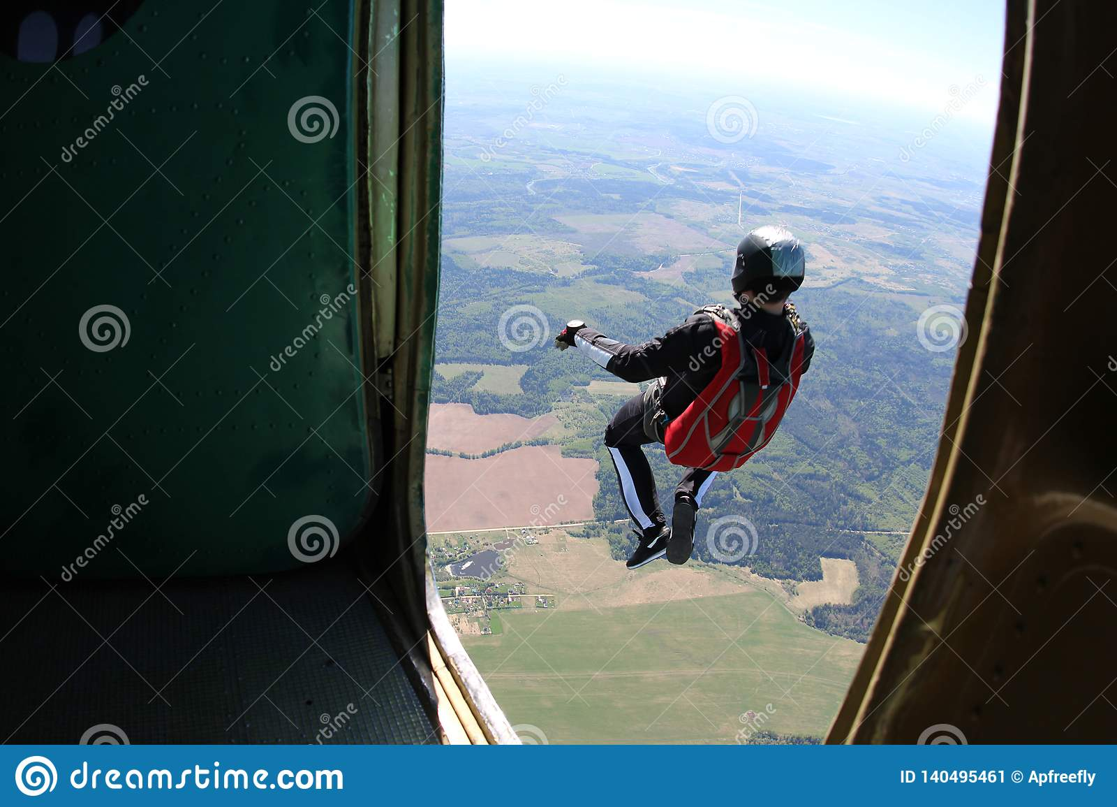 Skydiving Het ogenblik van uitgang
