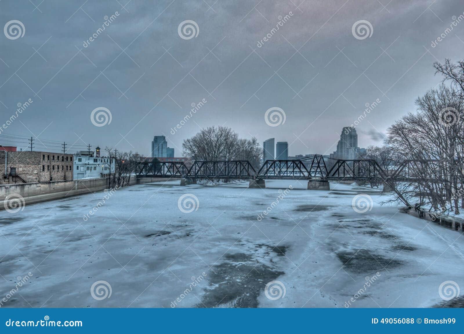 Skyline de Grand Rapids Michigan no inverno. Royalty Free