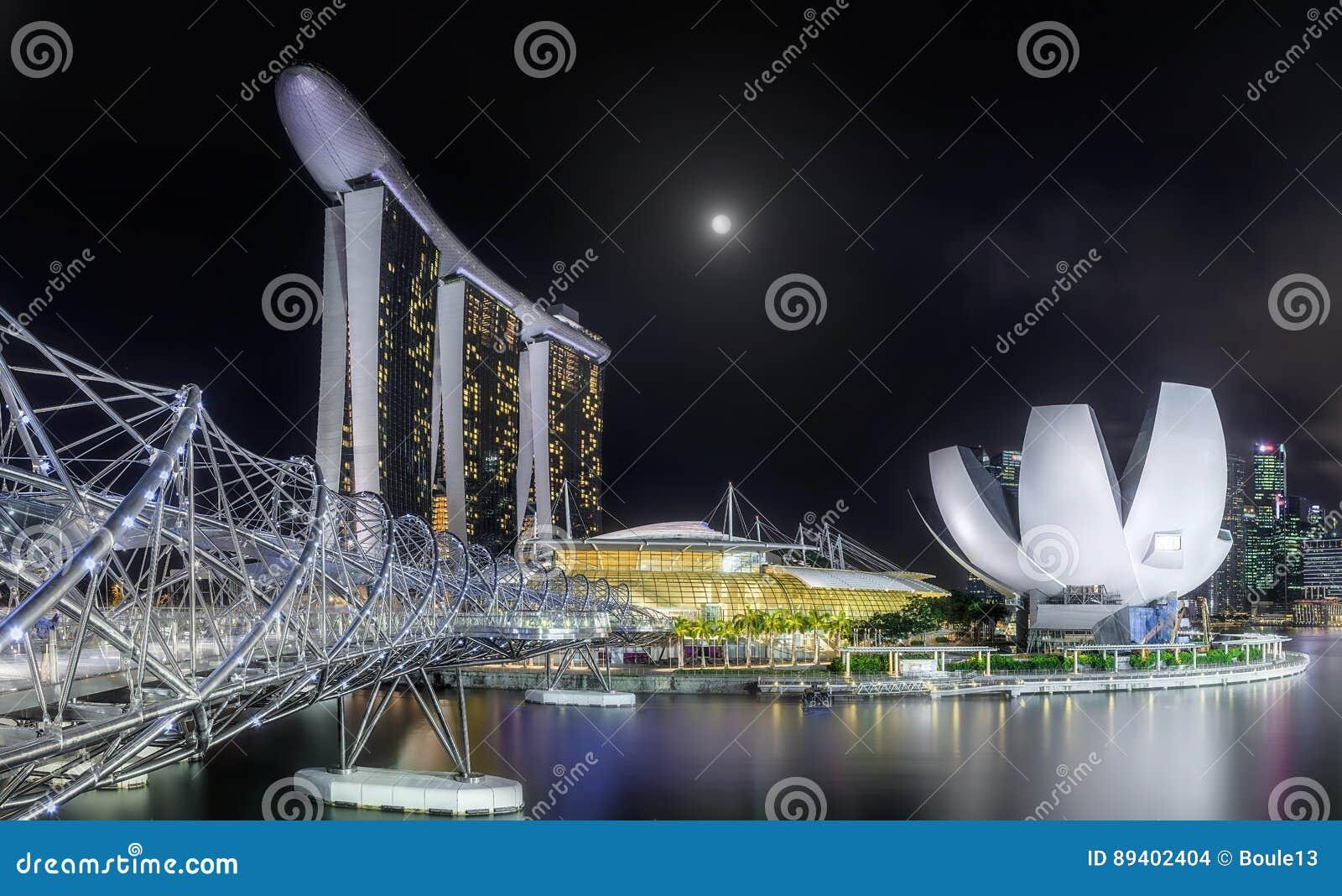 Skyline de Singapura e opinião Marina Bay