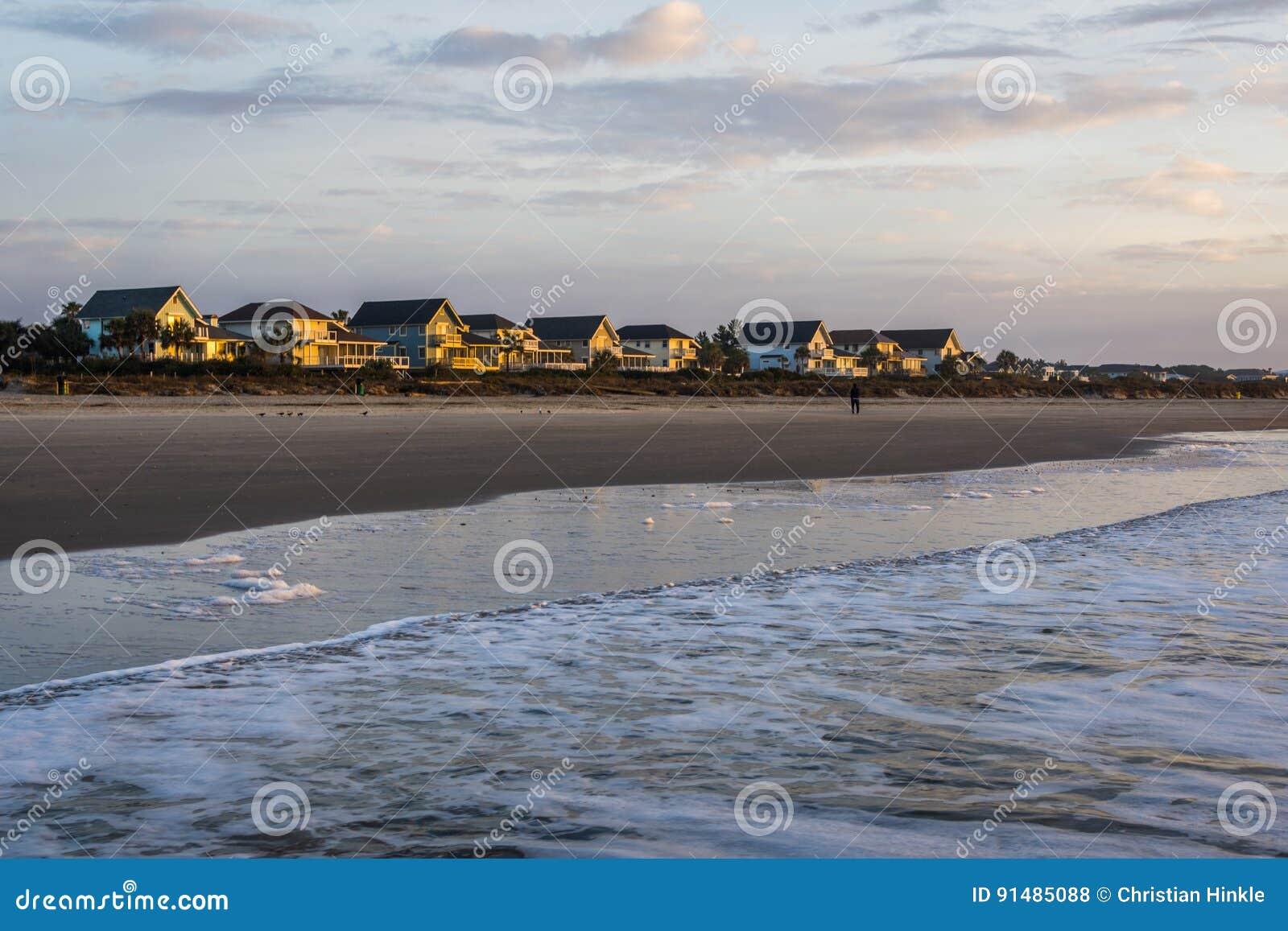 Skyline des Strandes steuern an der Insel von Palmen, in Charleston South Car automatisch an
