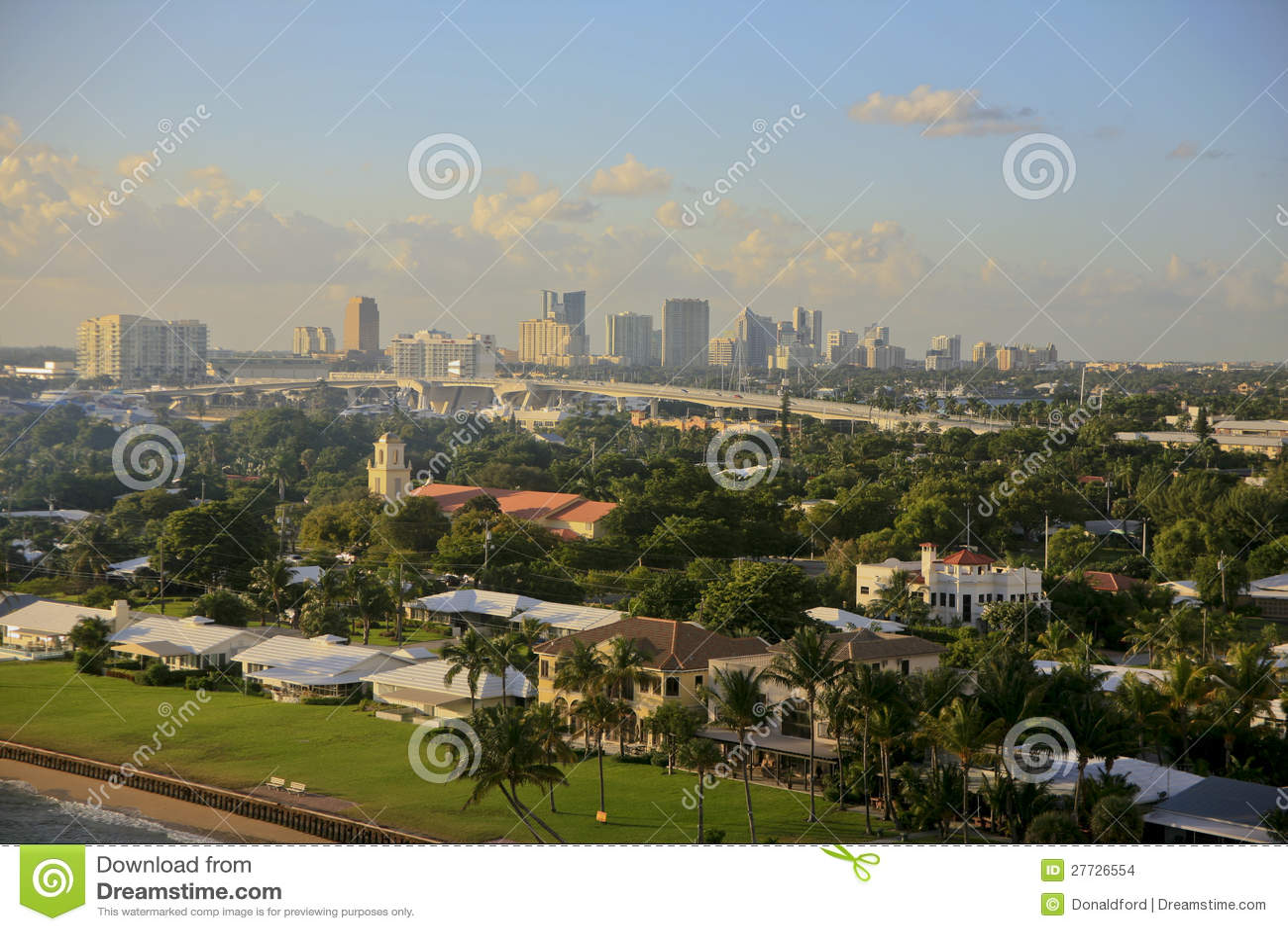 Skyline, Fort Lauderdale, Florida, USA.
