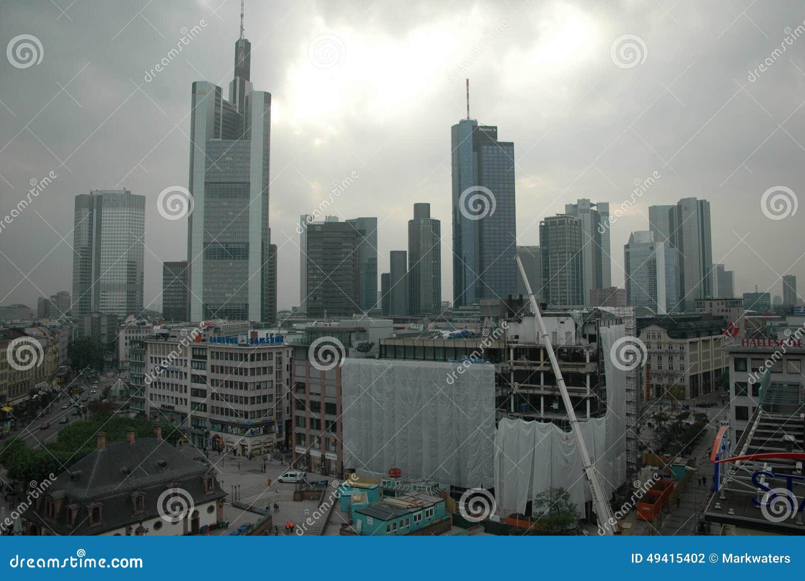 Download Skyline Frankfurt redaktionelles stockfotografie. Bild von frankfurt - 49415402