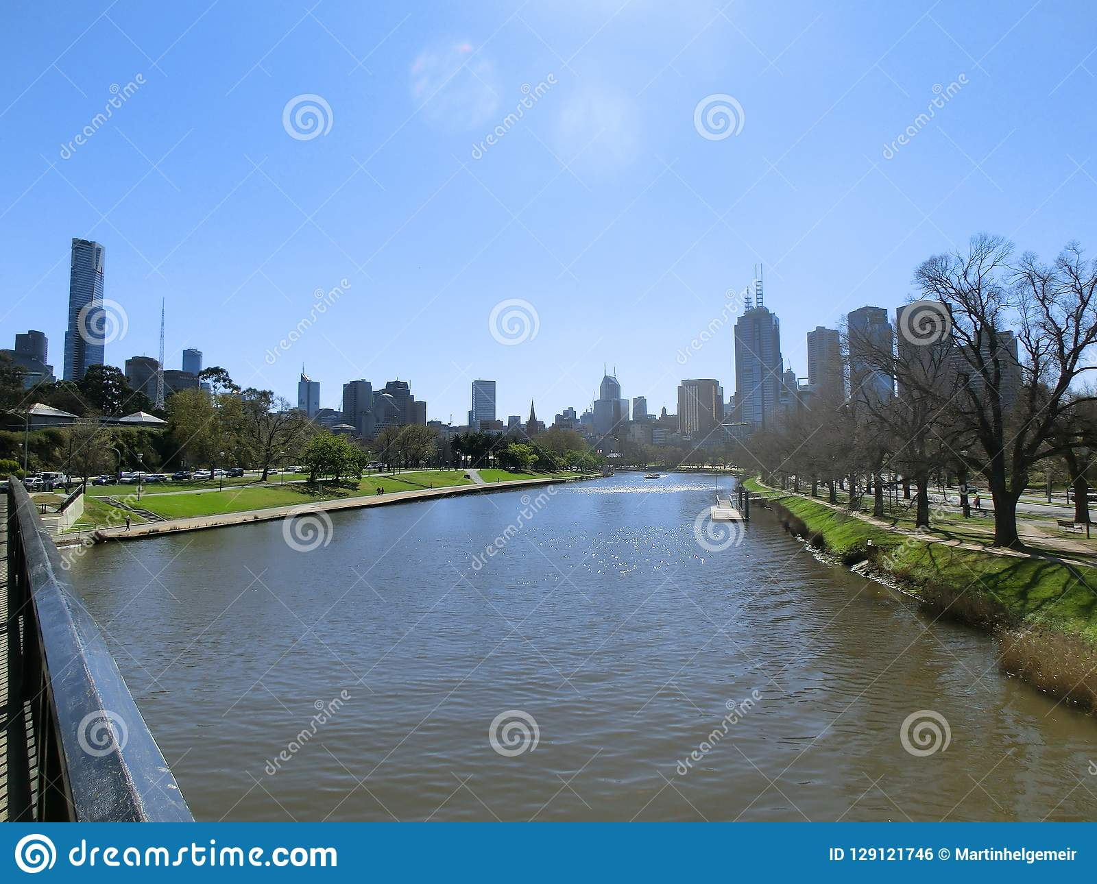 Melbourne skyline stock photo 6173286 - What time does victoria gardens close ...