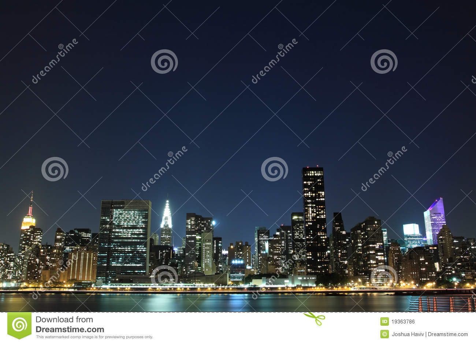 Skyline na noite, New York City de Manhattan