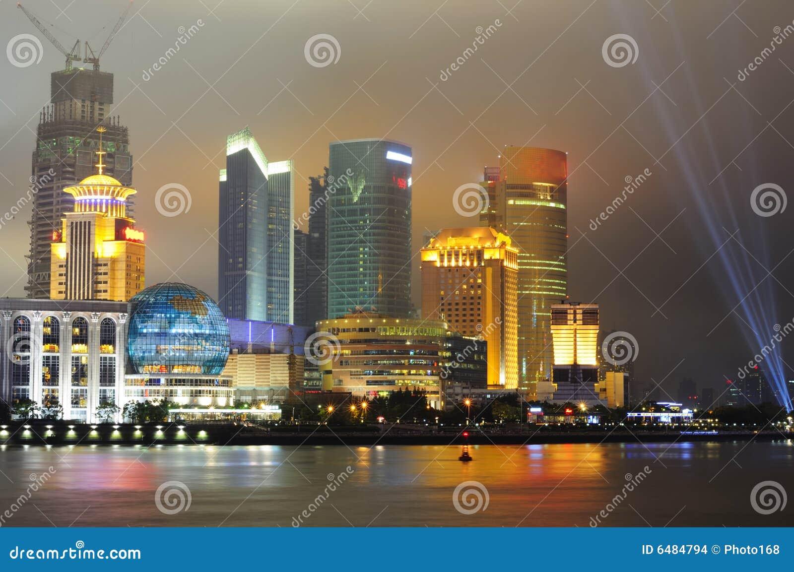 Skyline Shanghai-Pudong nachts