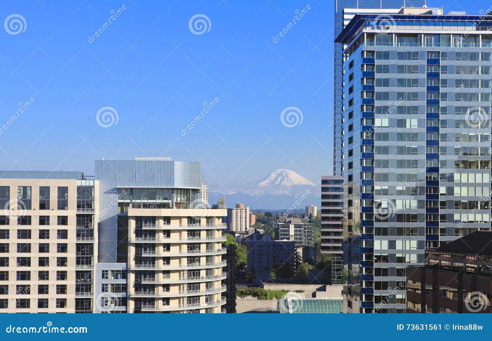 Skyscapers de Seattle et Mt Ranier