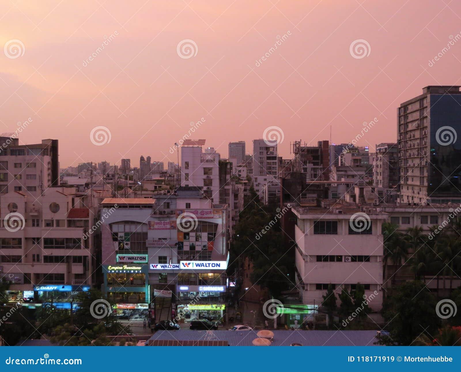 Skyskrapa och andelslägenheter i Dhaka, Bangladesh