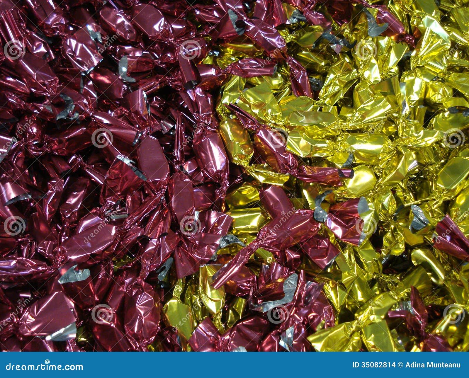 Slågen in chokladhög på livsmedelsbutiken