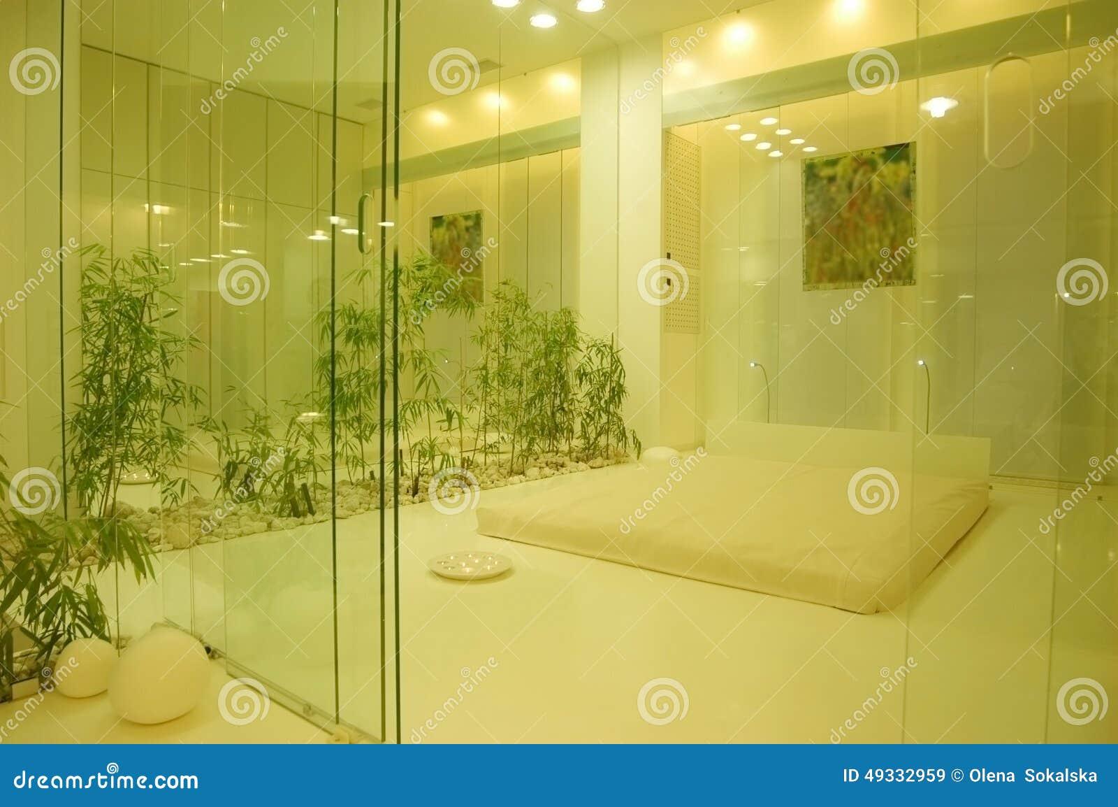 Glas In Slaapkamer : Slaapkamer achter het glas stock afbeelding afbeelding bestaande