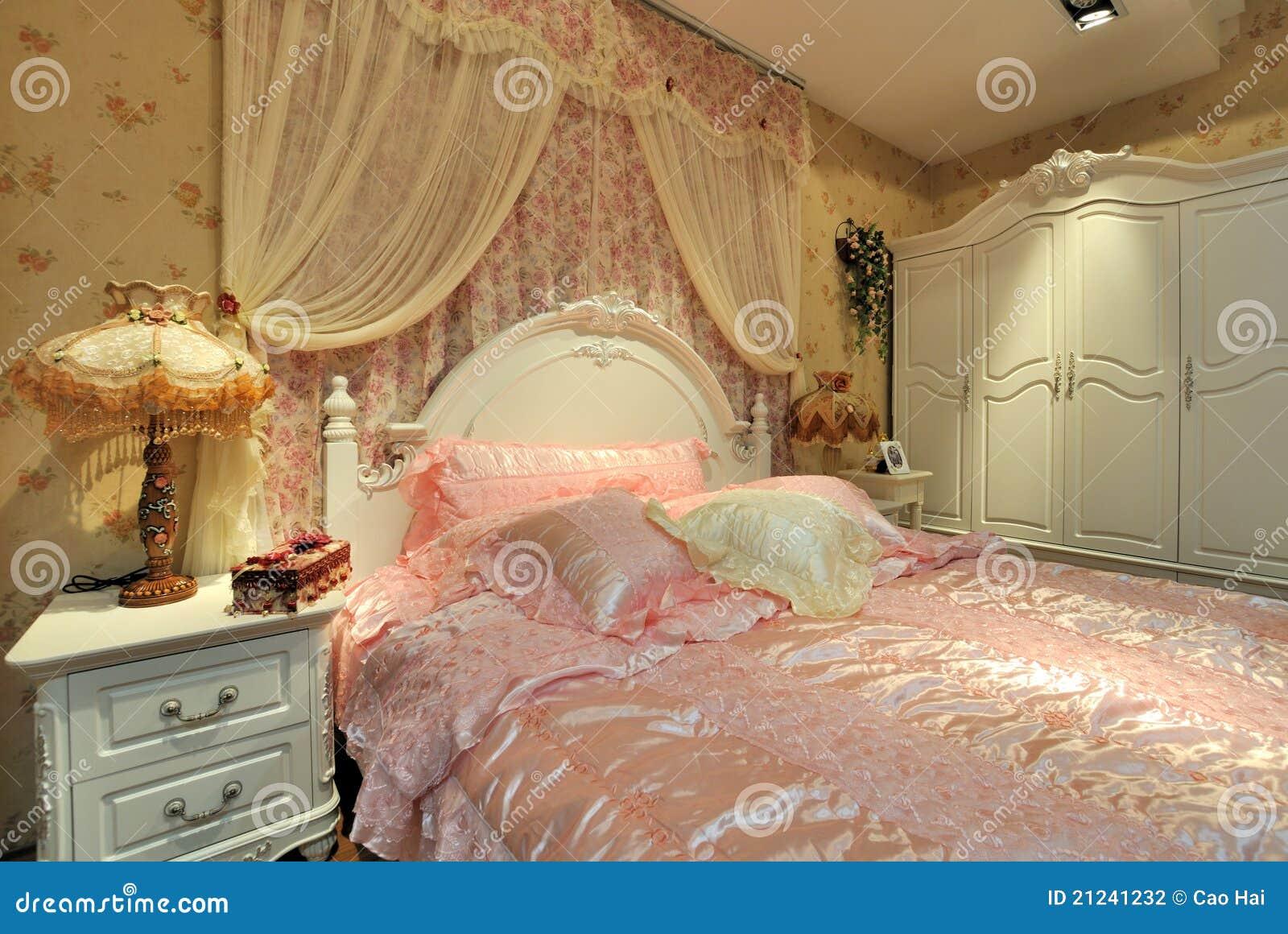 Slaapkamer in bloemrijke decoratie stock foto afbeelding 21241232 - Decoratie voor slaapkamer ...