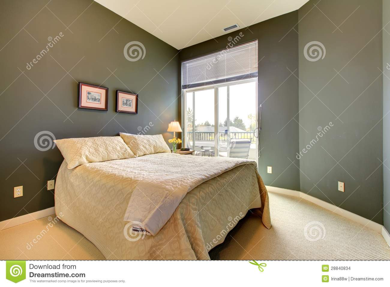 Slaapkamer Groene Muur : Wall Green and White Bedding