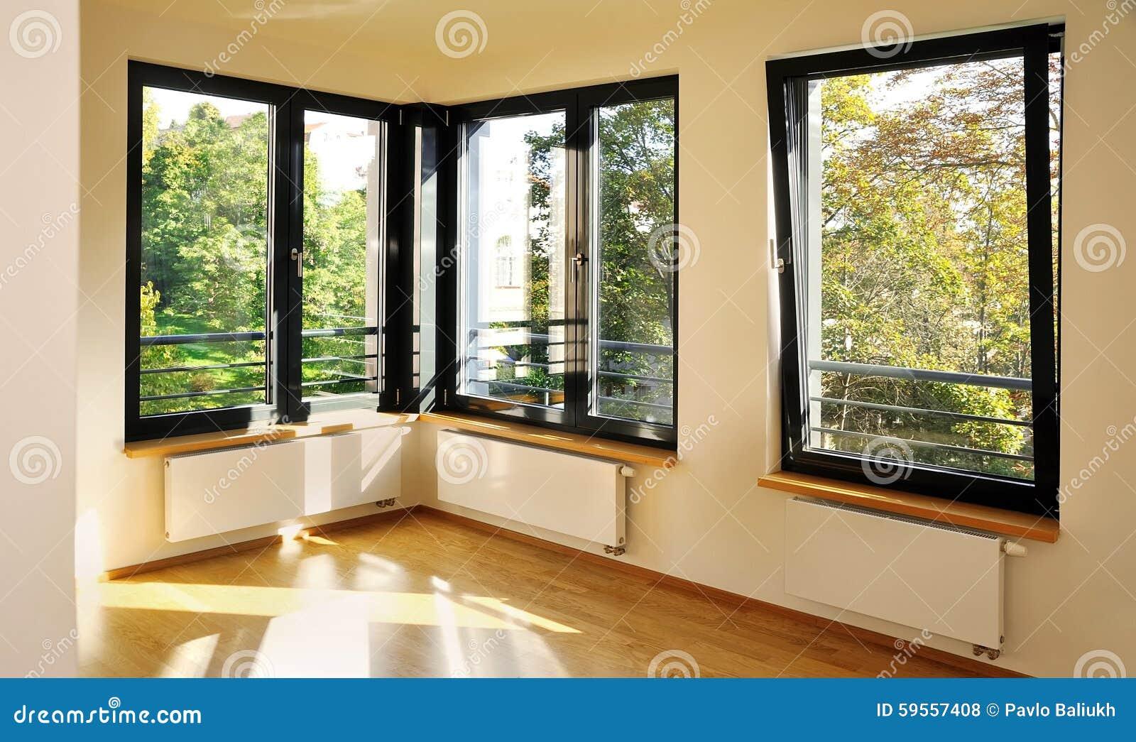 Slaapkamer met hoekvensters stock foto   afbeelding: 59557408