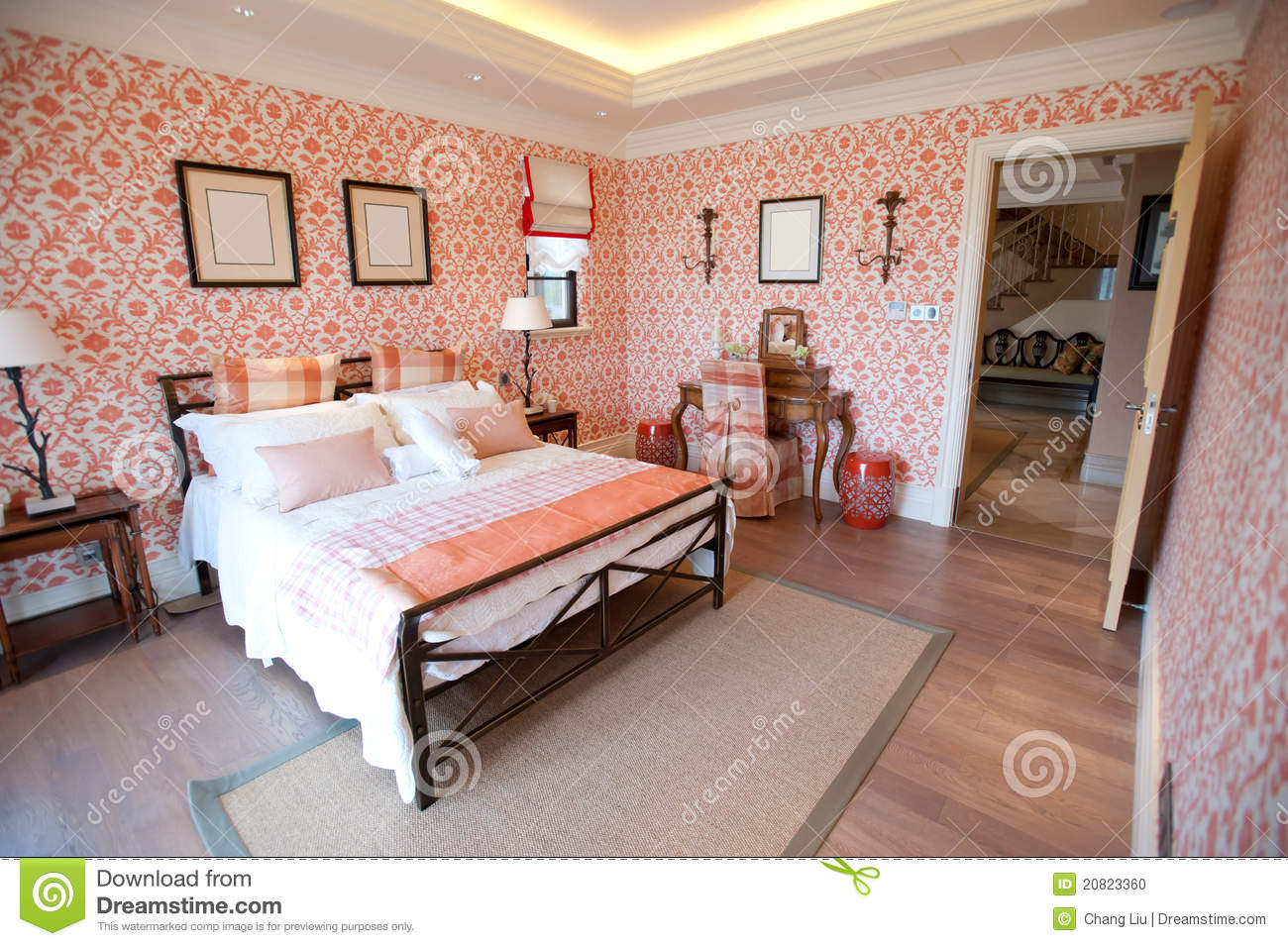 Rood Op Slaapkamer : Bedroom with Red Flowers