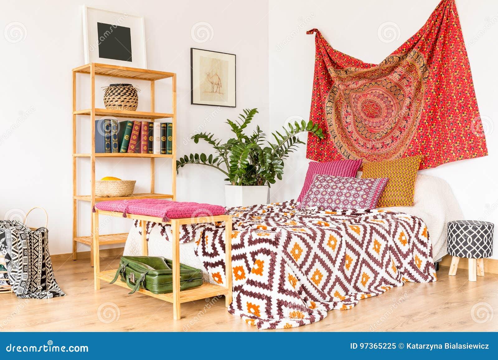 Slaapkamer in warme kleur