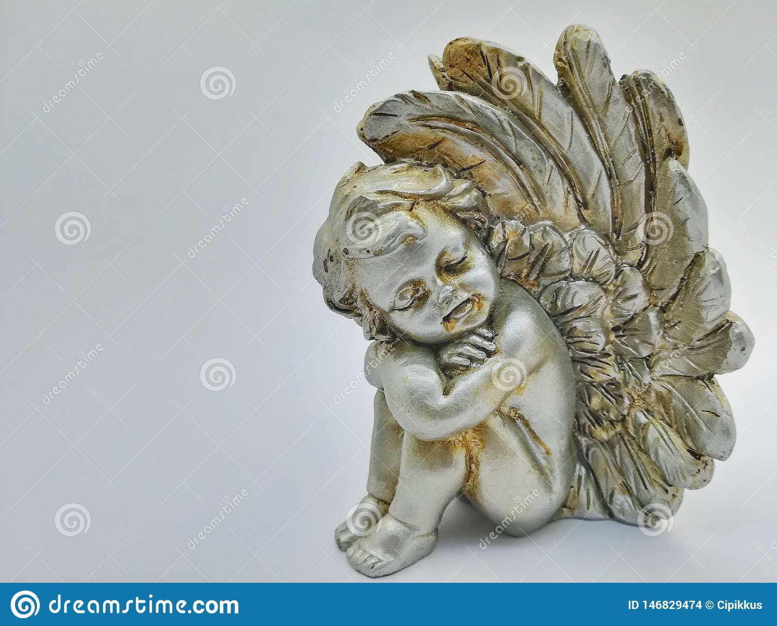 Slaperige alleen engel