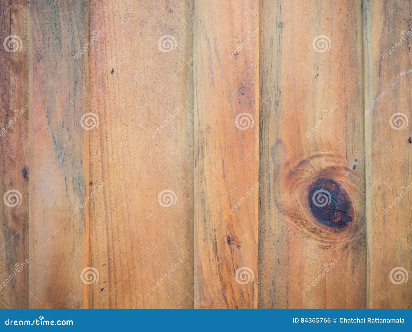 Slat wood and gnarl set vertical