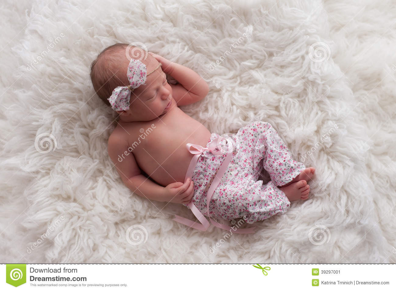 Sleeping Newborn Baby Girl Stock Photo - Image: 39297001