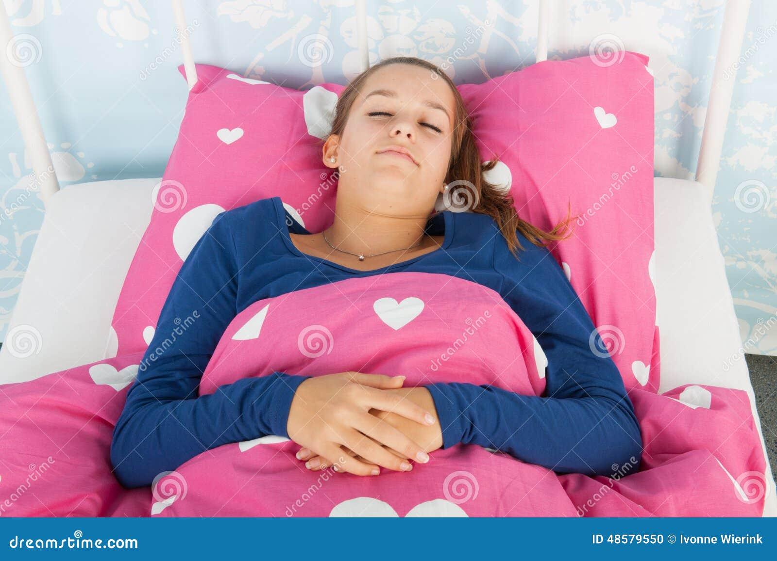 Of teen girls major sleep