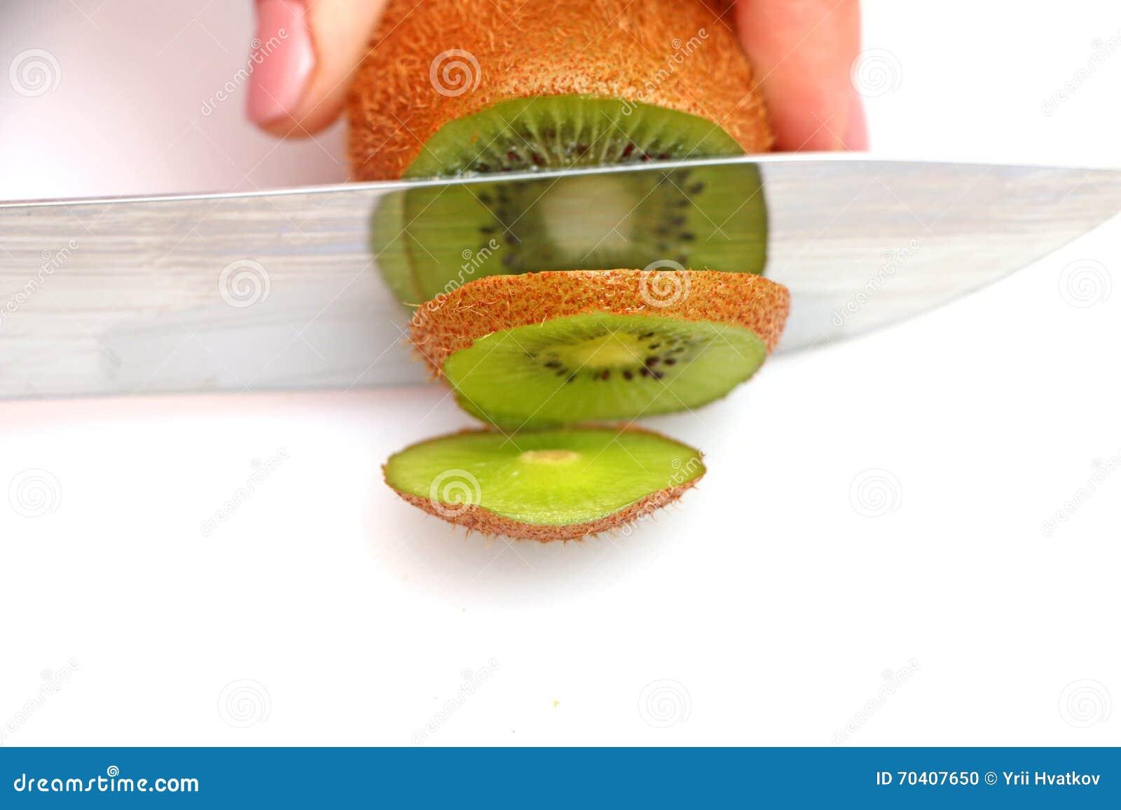 Sliced kiwi on wheels
