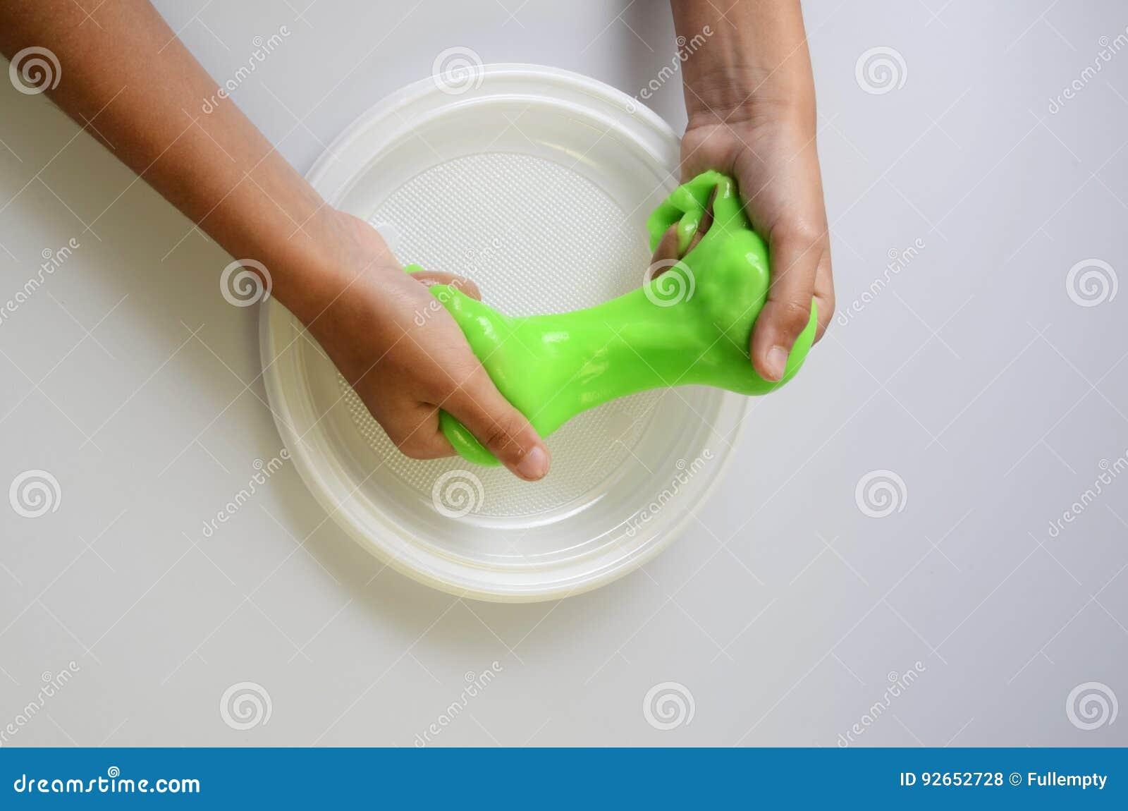 Slime πατέ ελαστικό και ιξώδες σε ετοιμότητα παιδιών ` s