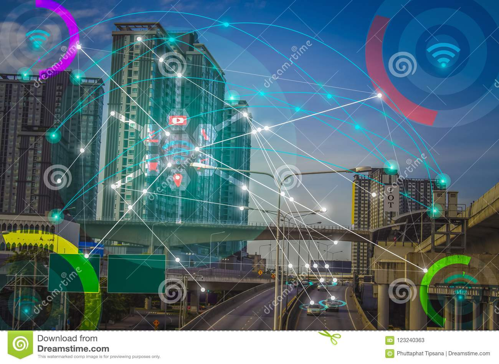 Slimme stad en draadloos communicatienetwerkconcept IOT Internet Ding