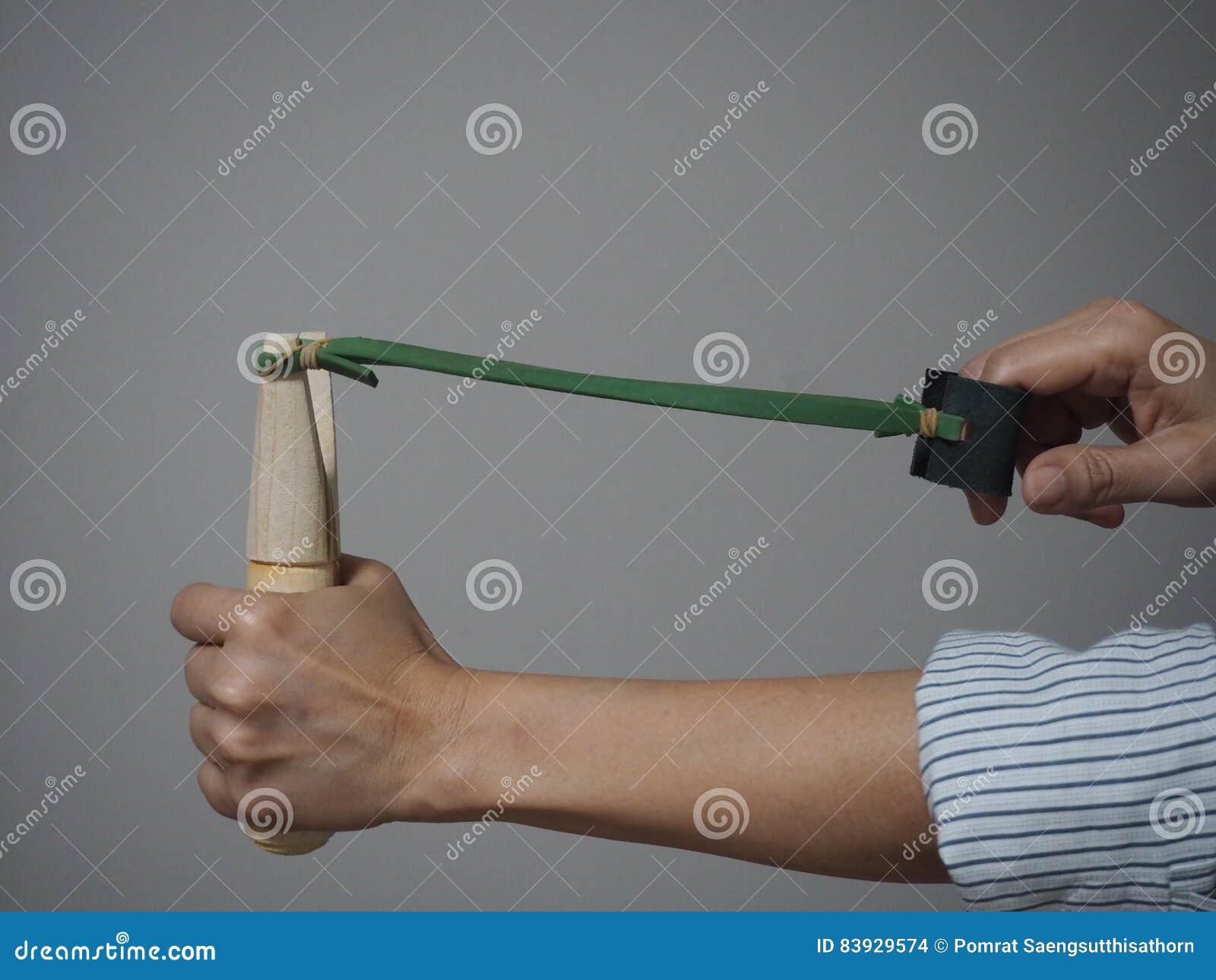 Slingshot strzela