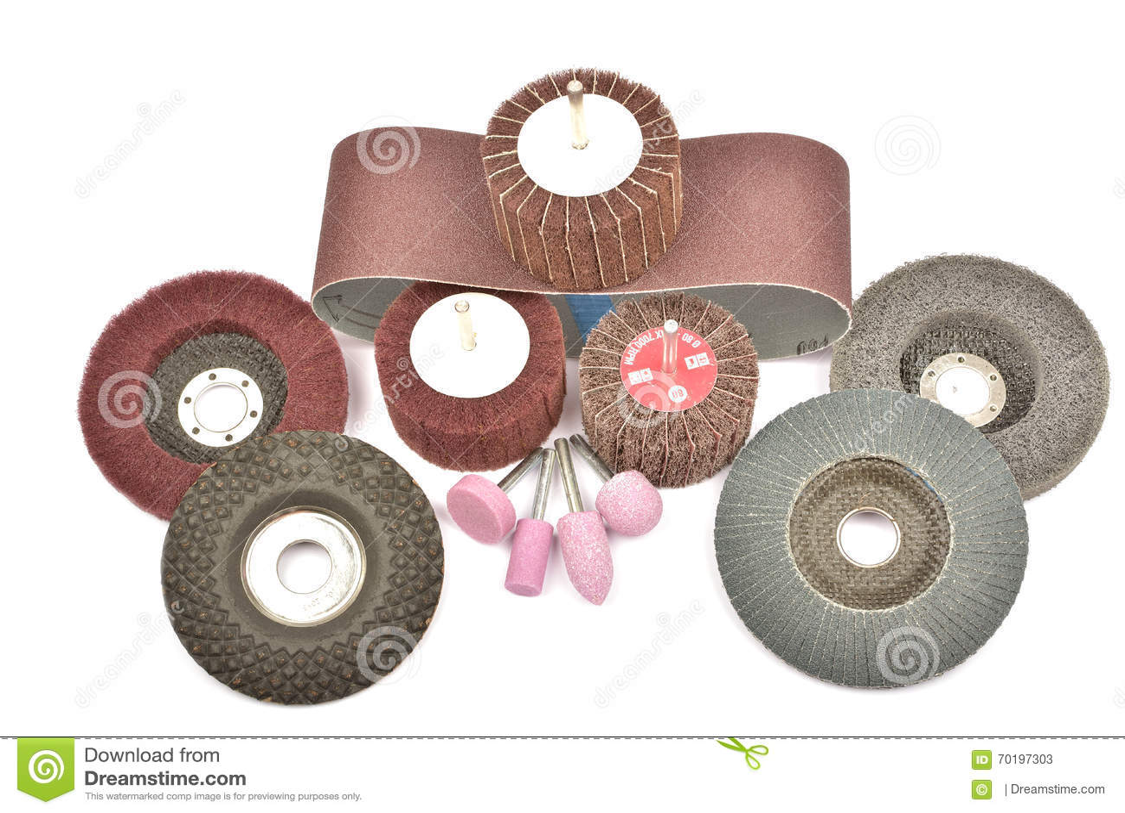 Slipande hjul som isoleras på en vit