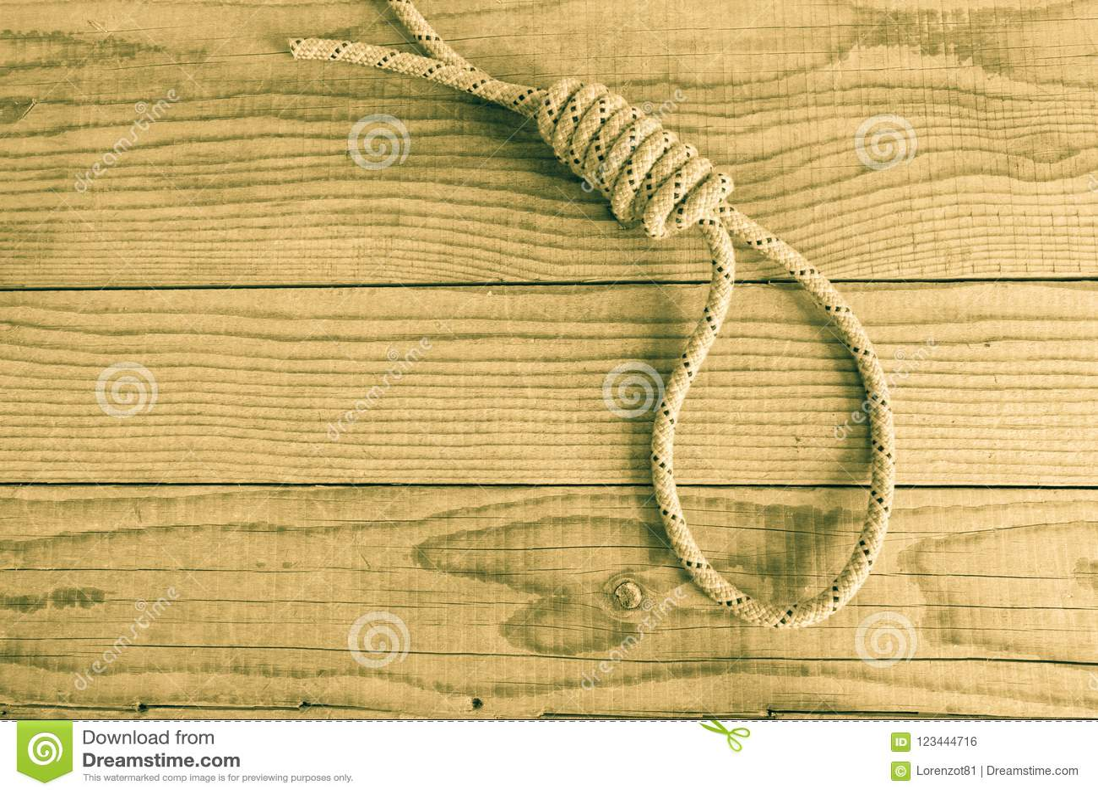 Slipknot na drewnianym tle