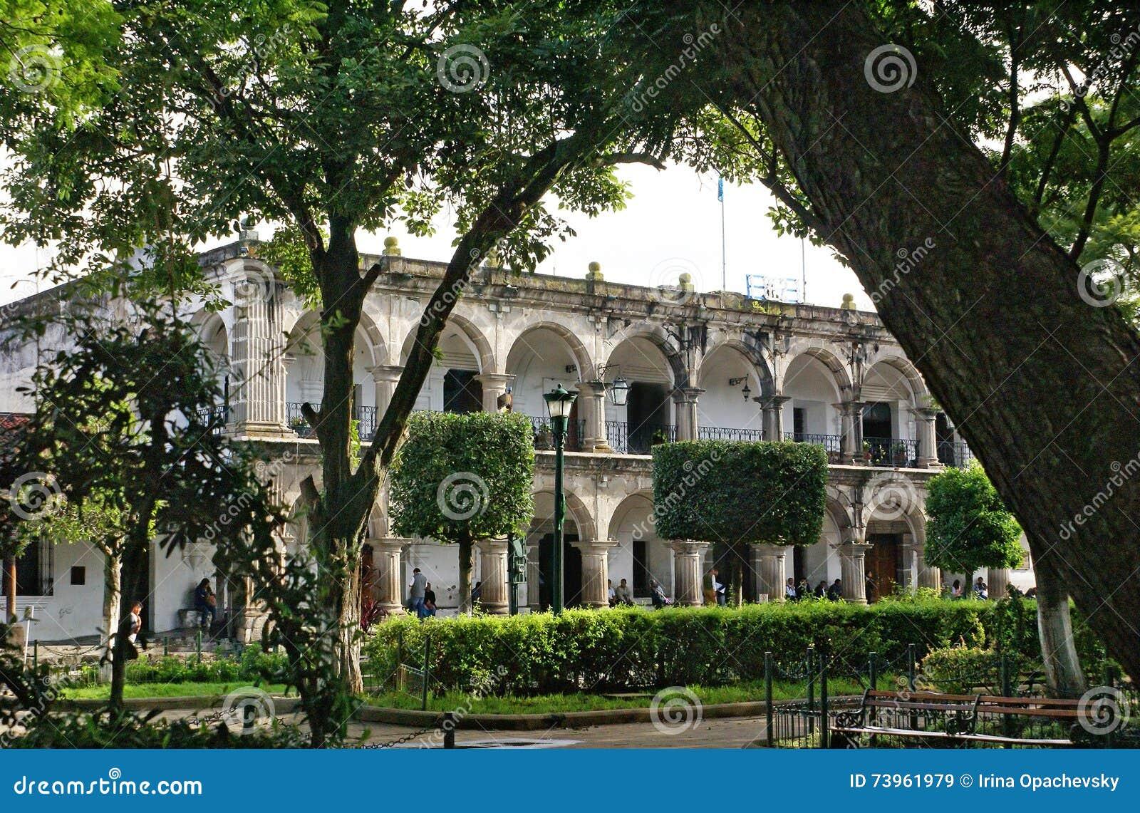 Slott av kommunfullmäktigen (stadshus), Antigua Guatemala