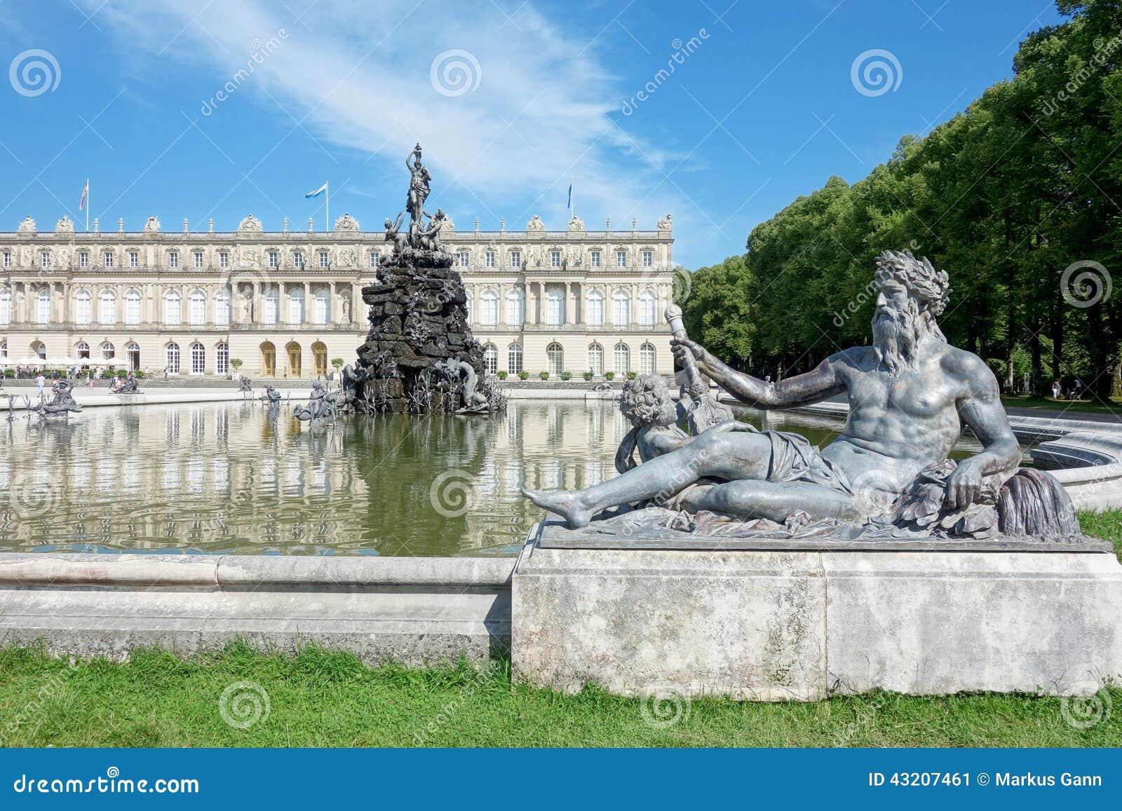 Download Slott Herrenchiemsee fotografering för bildbyråer. Bild av historia - 43207461