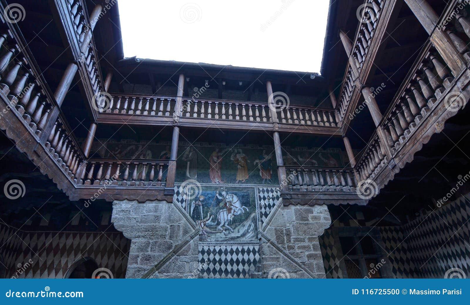Slotten av Fenis