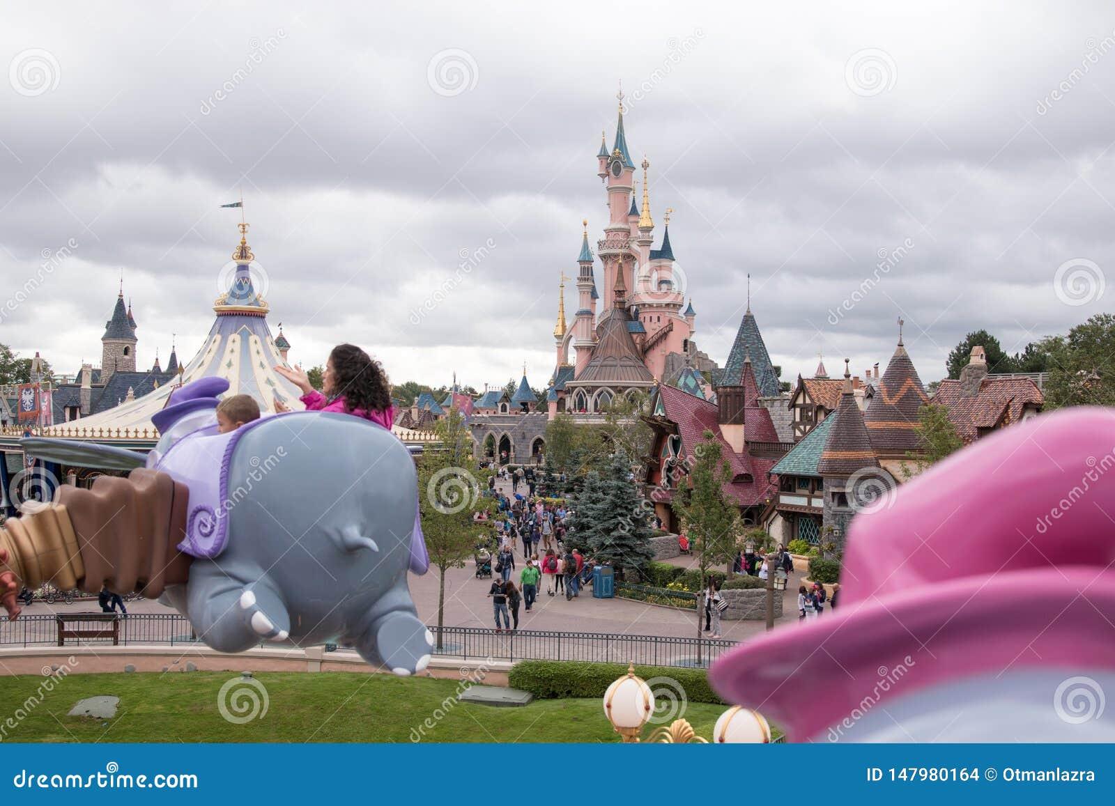 Slotten i Disneyland parkerar Paris
