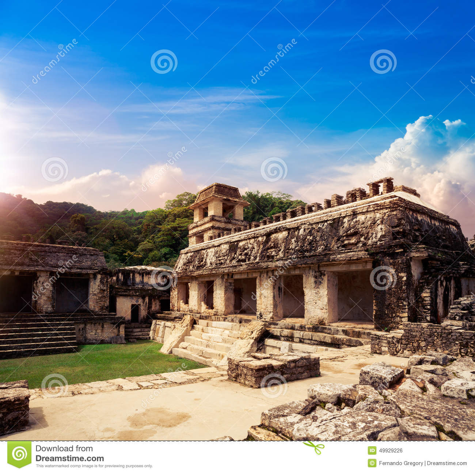 Slottobservationstornet i Palenque, Mayastad i Chiapas, Mexico