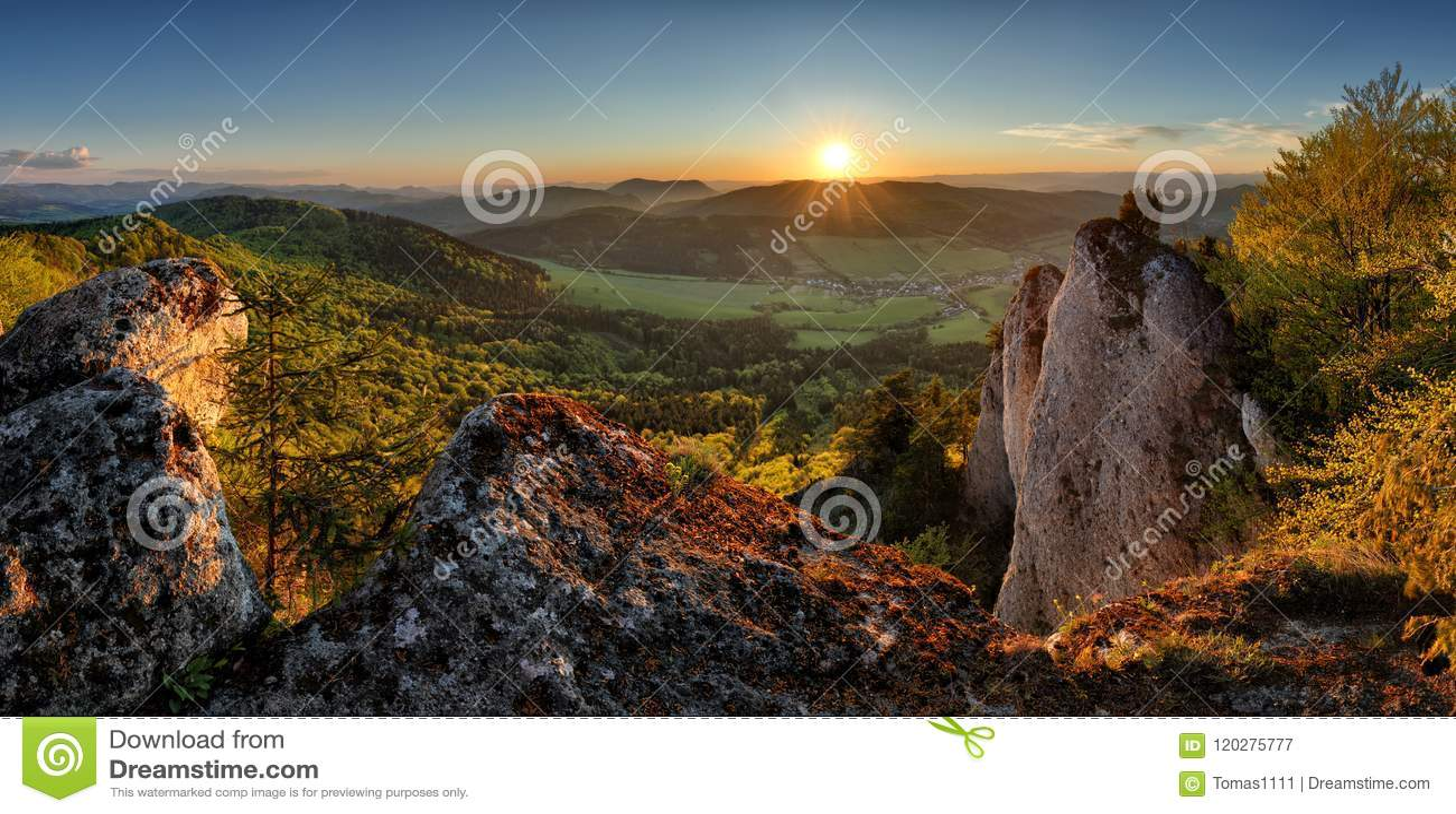 Slowakei-Gebirgssonnenuntergang, Panorama