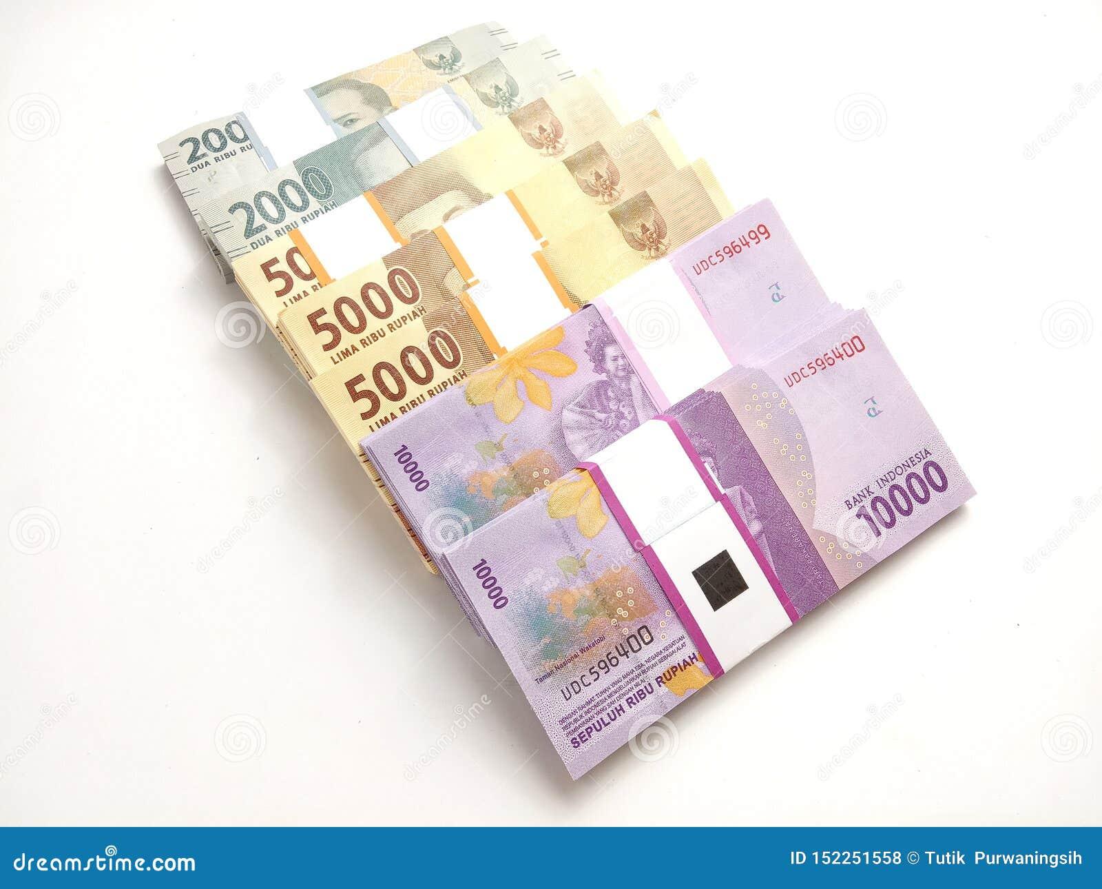 Sluit omhoog, Foto Eenvoudige Foto, Hoogste Weergeven, Pakken van het Geld van Roepieindonesië, 2000, 5000, 10000, bij witte acht