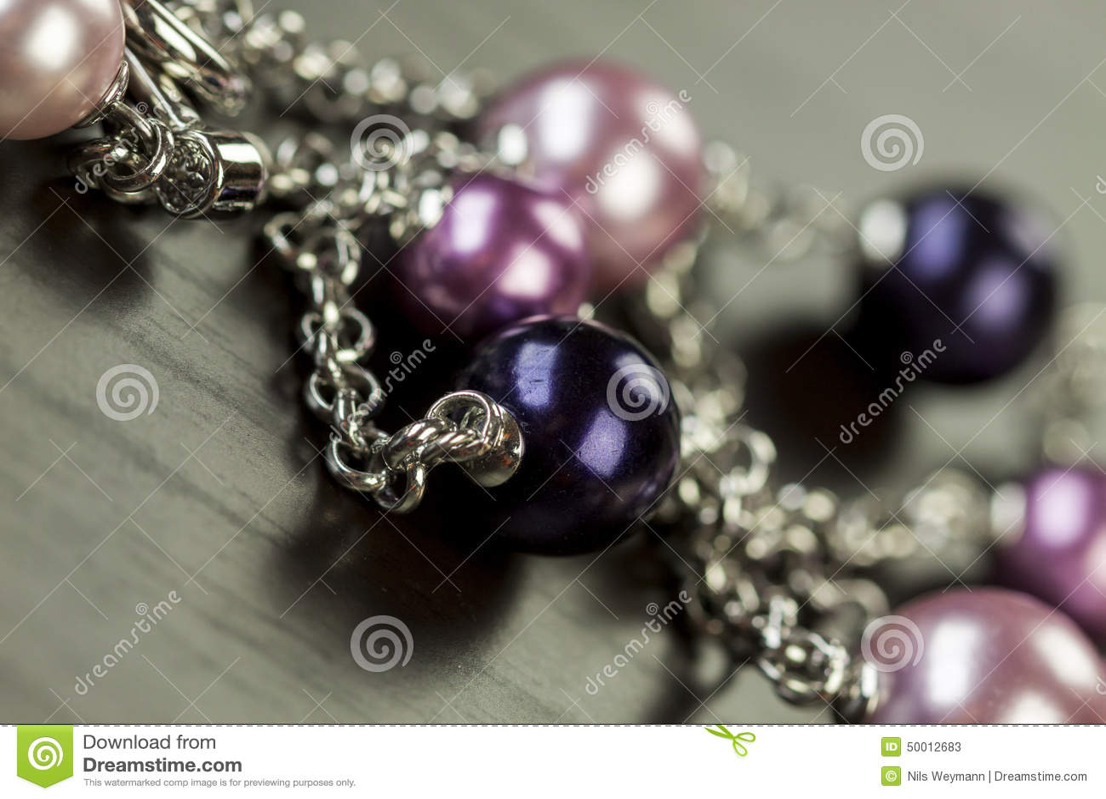 Sluit omhoog mening van mooie juwelen