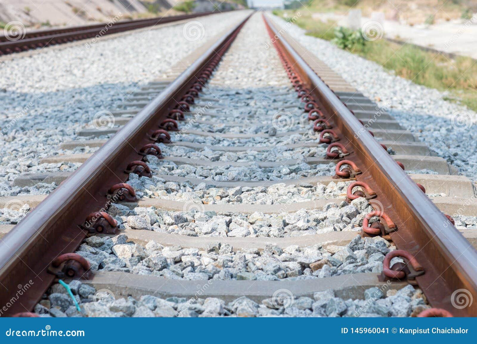 Sluit omhoog spoorverbinding, spooranker met perspectieflijn van spoorwegsporen Veiligheidsvervoer Vermijd opstopping
